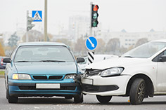 交通事故発生(自損事故含む)